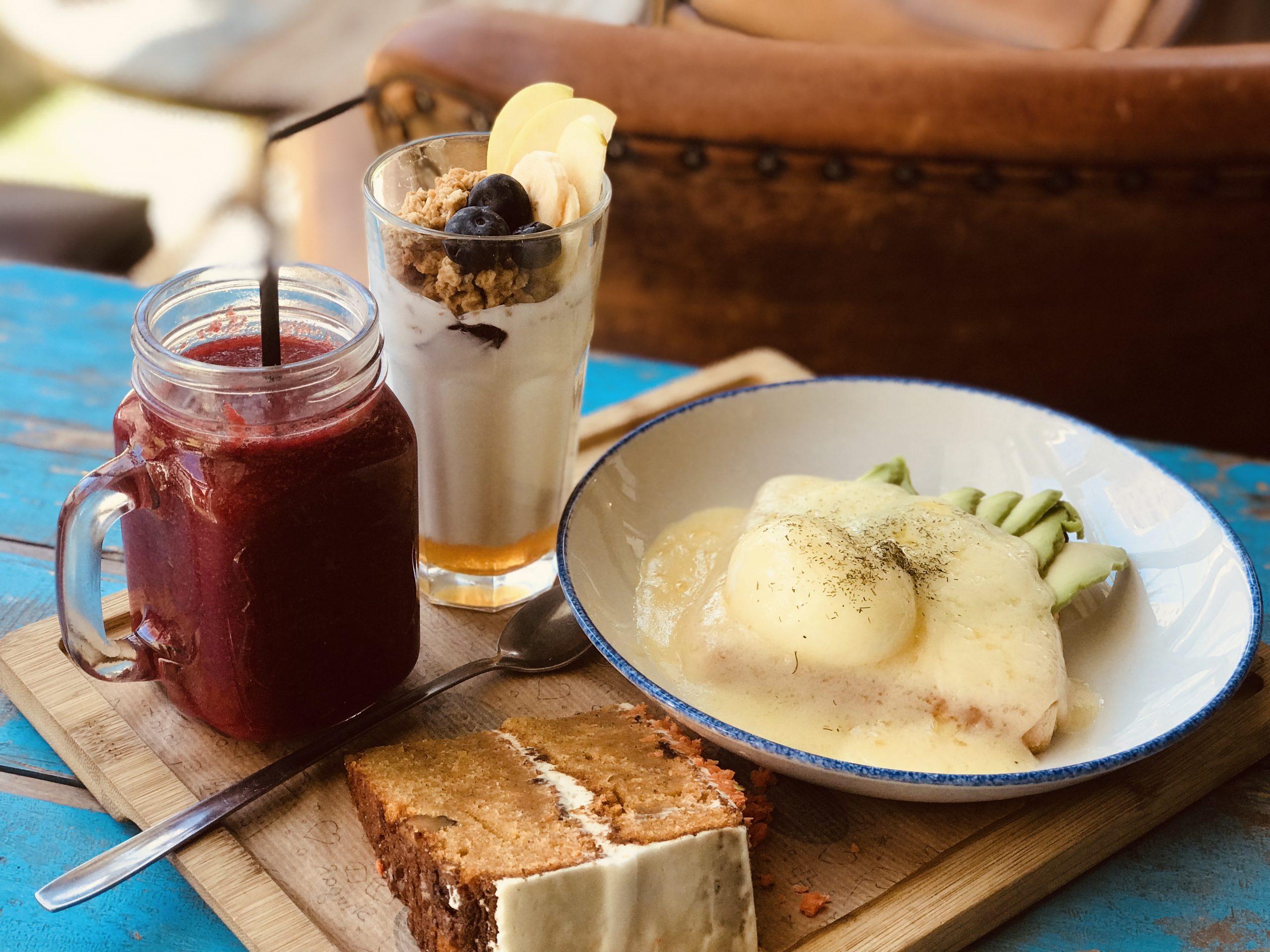 Qué es Baker and Co? | Baker & Co. Desayunos, brunch lunch, tartas carrot,  red velvet, bowls, smoothies.
